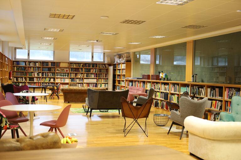 instalaciones-biblioteca-cesuga